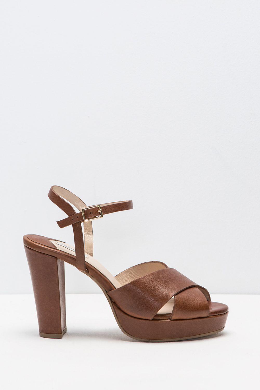 Sandalia de piel tacón ancho con plataforma. Cierre de hebilla al tobillo. Tacón de 10 cm y 2 cm de plataforma. | Zapatos | Fifty Factory