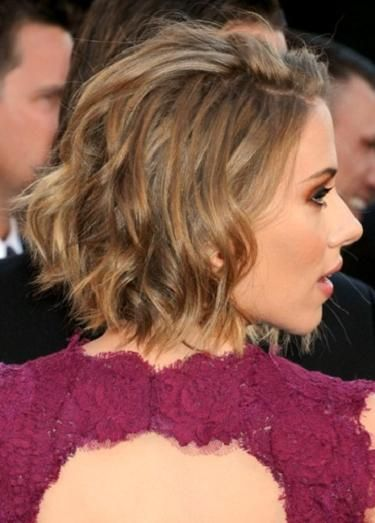 Slimming Bob Hairstyles Scarlett Johansson S Messy Bob Hairstyle