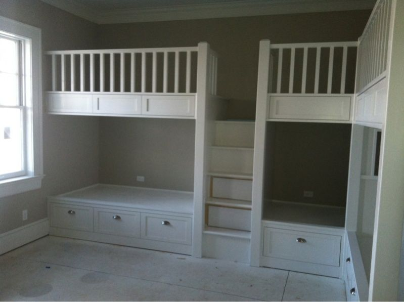 White Wood Built In Bunk Beds With Storage In Below Bed On Soft Grey Paint  Wall - White Wood Built In Bunk Beds With Storage In Below Bed On Soft