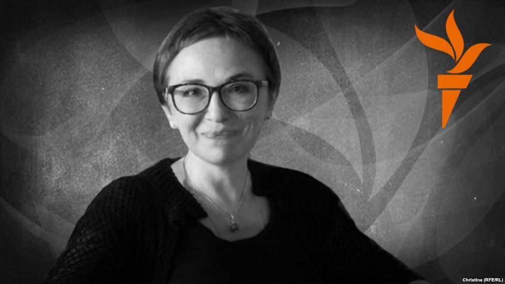 Елена Фанайлова – о Шекспире и Яроше...В финале пьесы звучала украинская народная колыбельная – всем мертвым героям, в том числе предателям и негодяям, в том числе противникам. Война есть война, ей приличествует достойный траур.