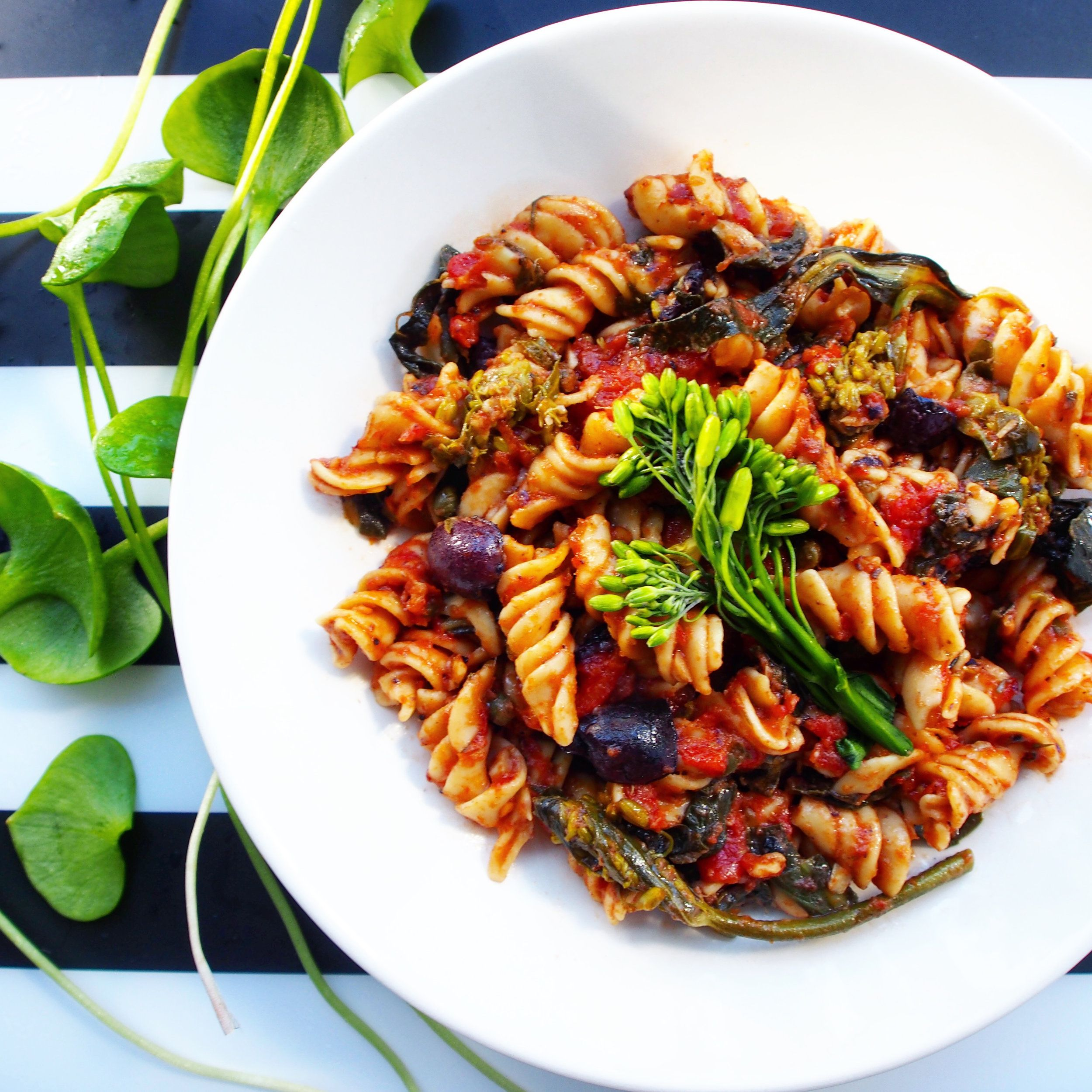Cheesy Chickpea Pasta with Spring Greens, Tomatoes, and ...