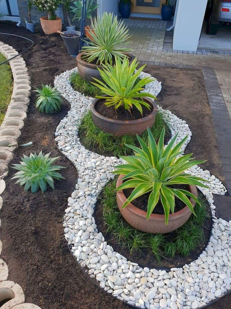 48 Simple And Beautiful Front Yard Landscaping Ideas On A Budget Rock Garden Landscaping Garden Decor Projects Backyard Garden Design