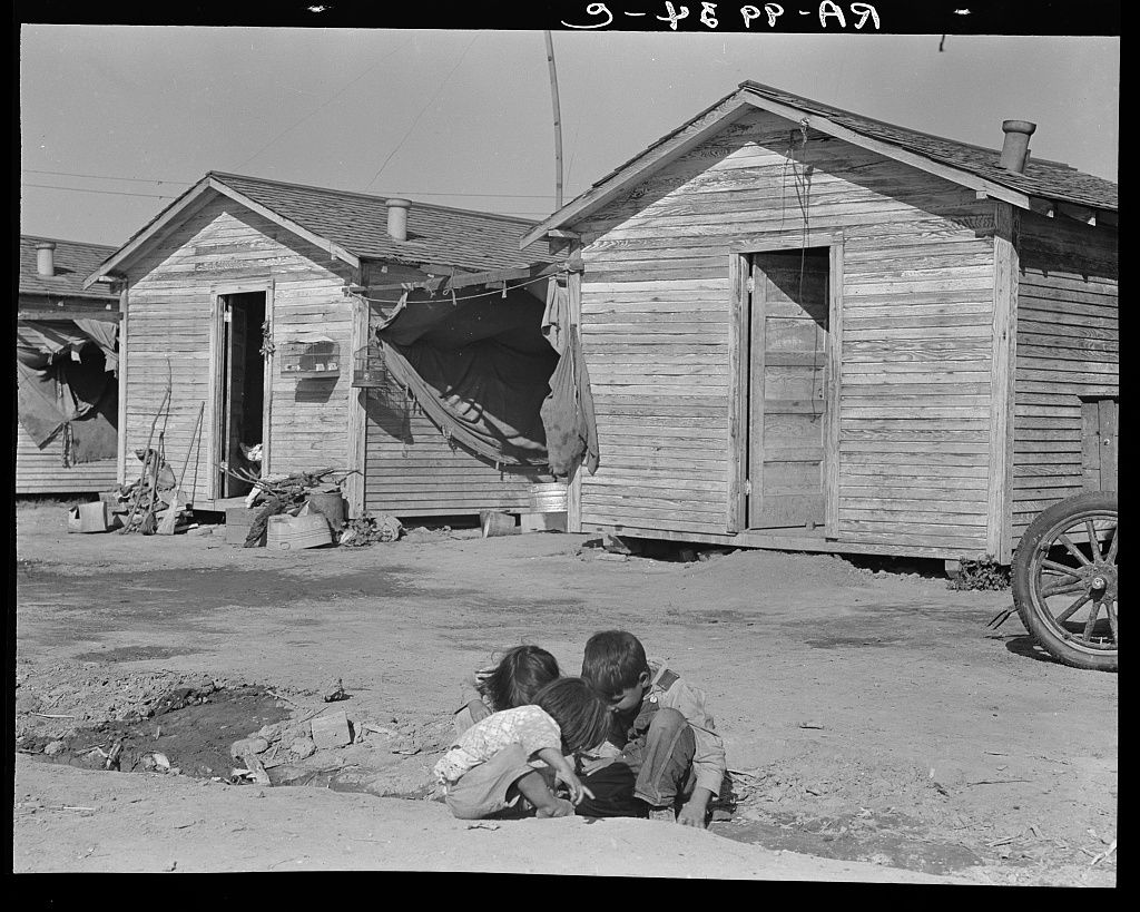 Company housing for cotton workers near Corcoran