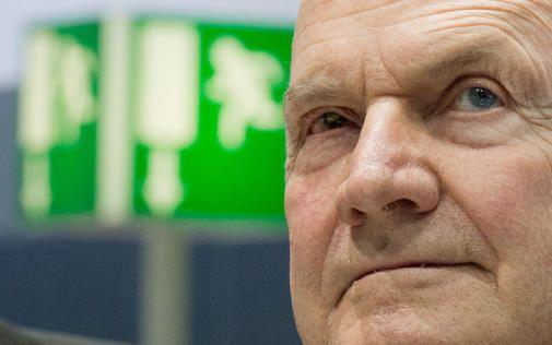 Foto: Dass Piëch in dem Machtkampf mit Top-Managern stürzt, kann sich sein Biograf nicht vorstellen.