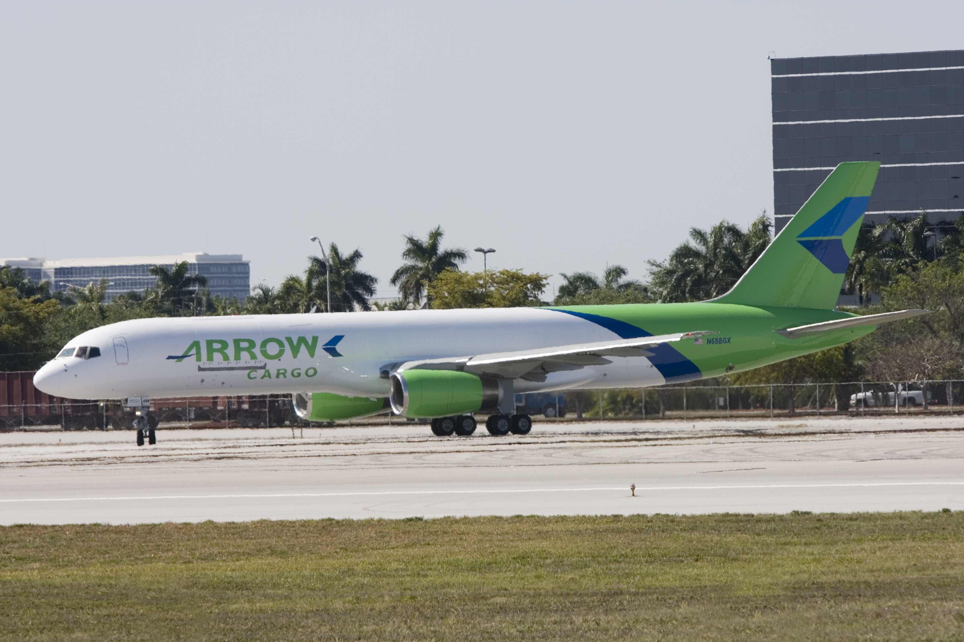 Arrow Boeing B757 200F