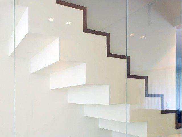 Trap u wit u strak design u modern interieur u trappenteck be