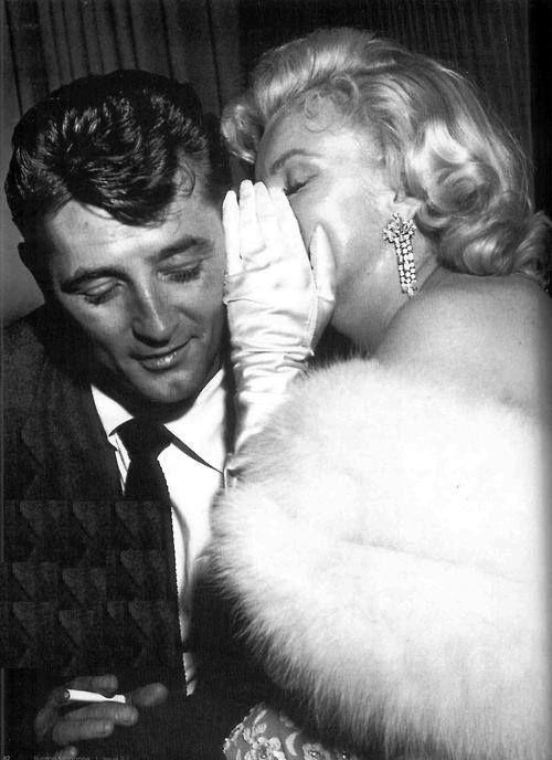 Robert Mitchum & Marilyn Monroe