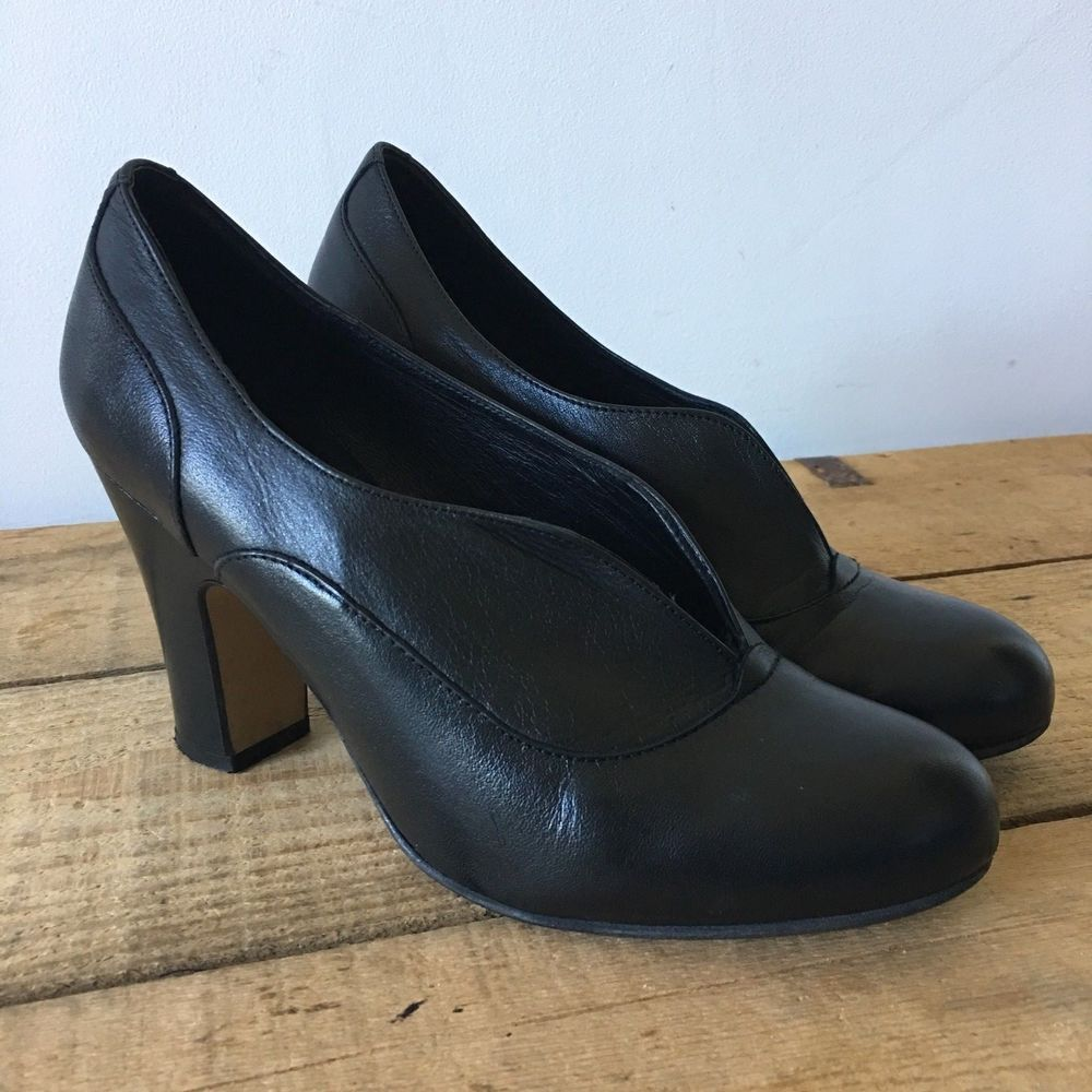 Clarks Black Suede Ladies classic sandals size 6//39.5 D New