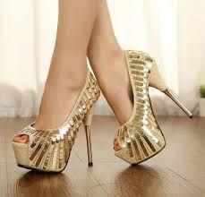 Resultado de imagem para sapatos luxuosos femininos