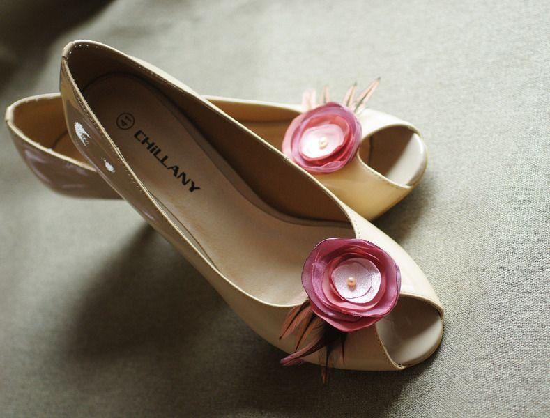 Schuhclips Bluten Altrosa Rose Mauve Malve Federn Von Billies Goes Jazzafine Auf Dawanda Com Schuhe Hochzeit Altrosa Mauve