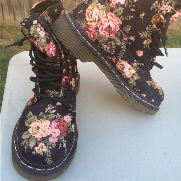Floral boots Beautiful victorian floral boots Dr. Martens Shoes Combat & Moto Boots