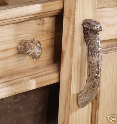 These Beautiful Replica Whitetail Antler Drawer Handles Will Be The Perfect  Complement To Your Rustic Home Or Cabin. (Handle Photo On Right.