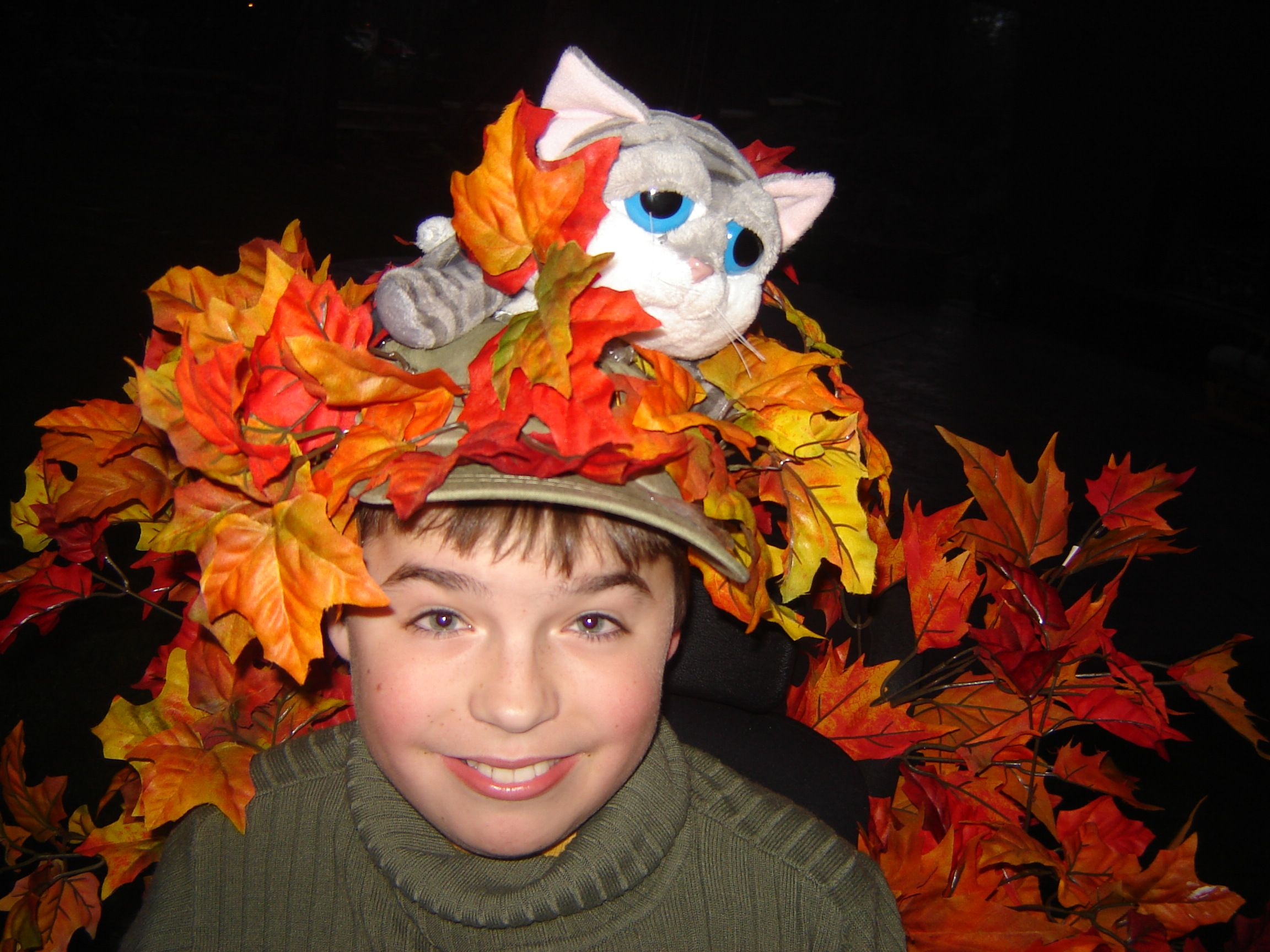 Cat stuck in tree costume Homemade costume, Diy projects