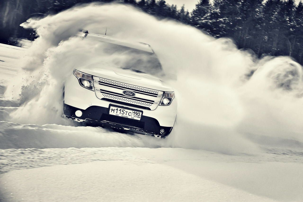 Ford explorer drifting on the ice