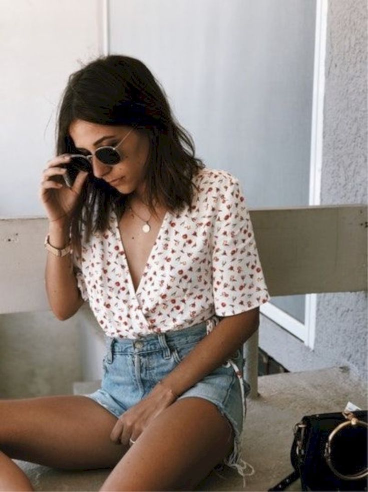 31 Fashionable Summer Outfit Ideas Trending in 2018 #springsummeroutfits 31 Fashionable Summer Outfit Ideas Trending in 2018 #trendyspringoutfits