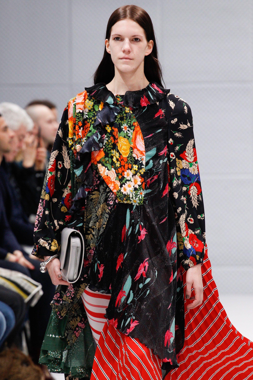 Balenciaga Fall 2016 Ready-to-Wear Fashion Show Details ca48bc90244e1