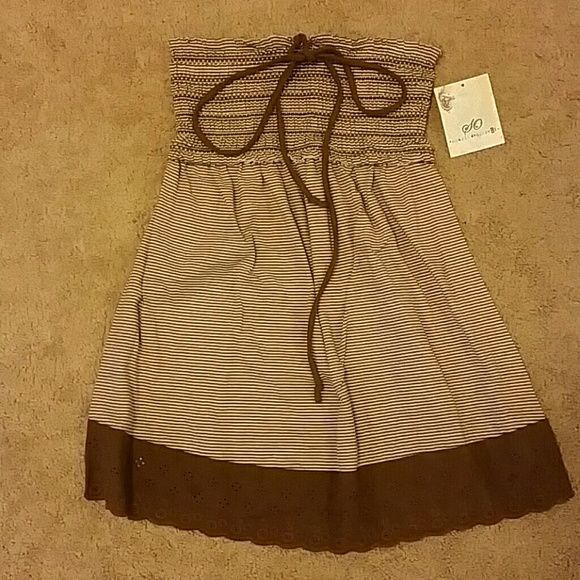 Strapless shirt NWT Brown and white strapless shirt. Brand new, never worn. SO Tops