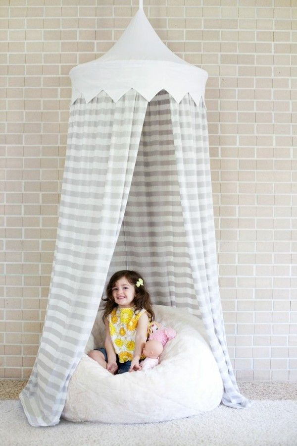 Baldachin kinderzimmer selber machen  baldachin kinderzimmer mädchenzimmer ideen streifenmuster ...