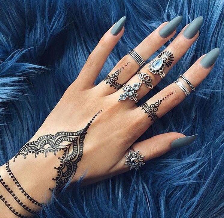 hand tattoo, henna inspired Hand tattoos for women
