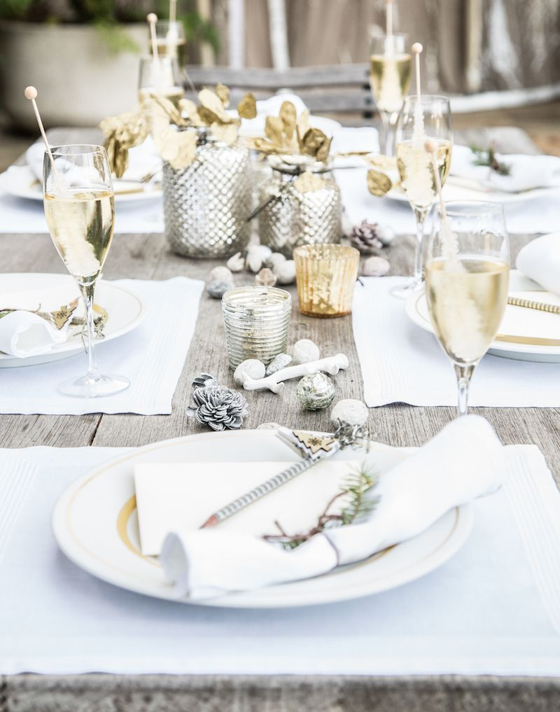 Drape Your Table in Winter White... Holiday Table Setting | Lauren's Lyst