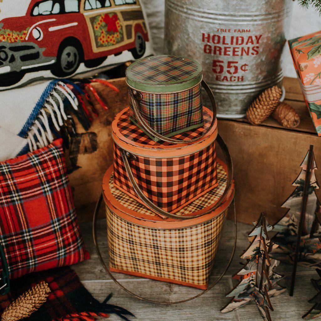Plaid Bucket 15 Farm holidays, Plaid, Christmas home