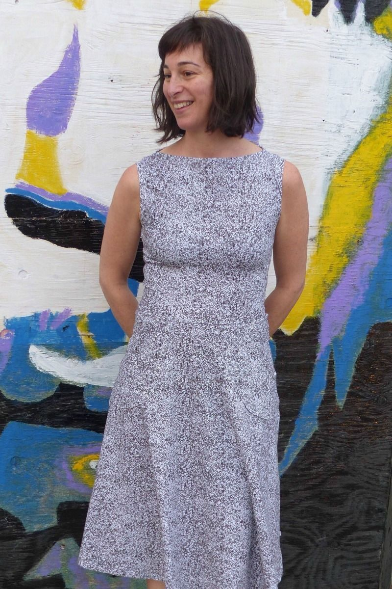 Asta jersey PDF sewing pattern for women in size 0-16 / 30-46. Boat Neckline sleeveless. Sewing 1 will not be enough. The fit is so flattering and easy to dress up or down with the right accessory.