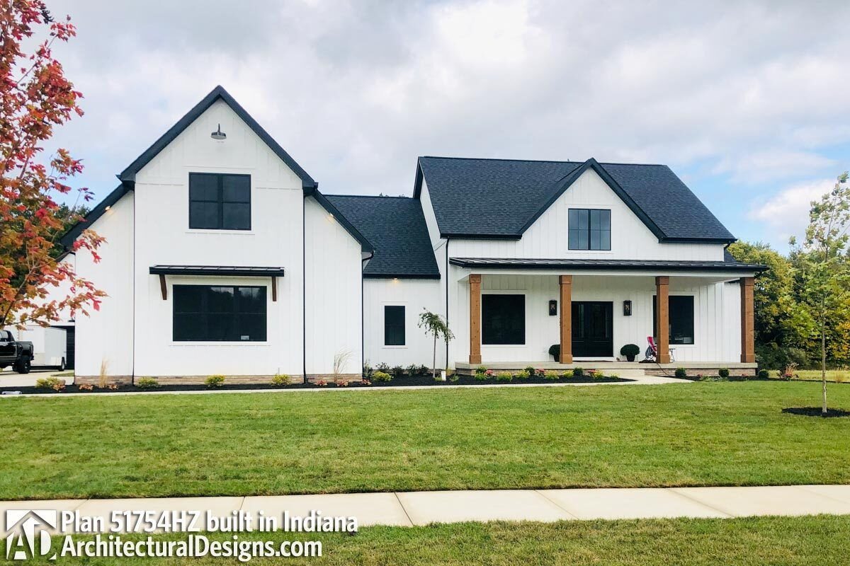 Modern Farmhouse Plan with Bonus Room