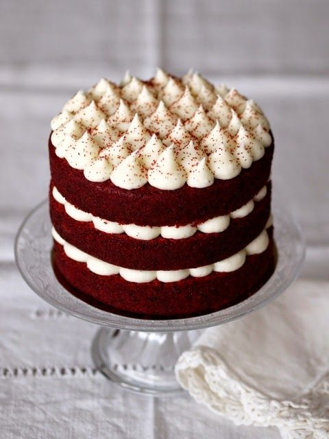 traditional red velvet cake with ermine frosting | old school, Kuchen