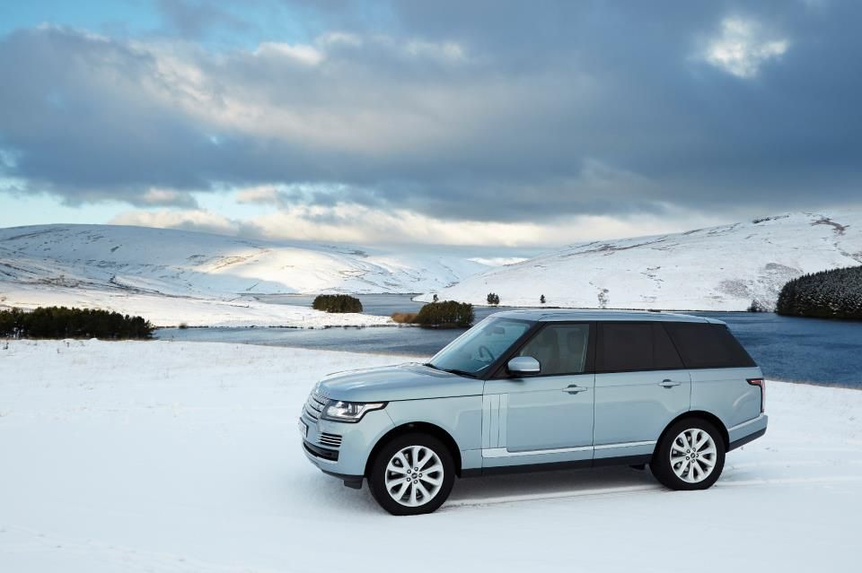 Okay...we know it's nearly Summer and some have even been at the beach this weekend - but how good does the all-new Range Rover look in the snow?