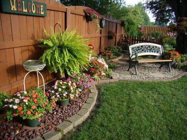 Un bonito jardín en espacios pequeños! -D Iván Pinterest