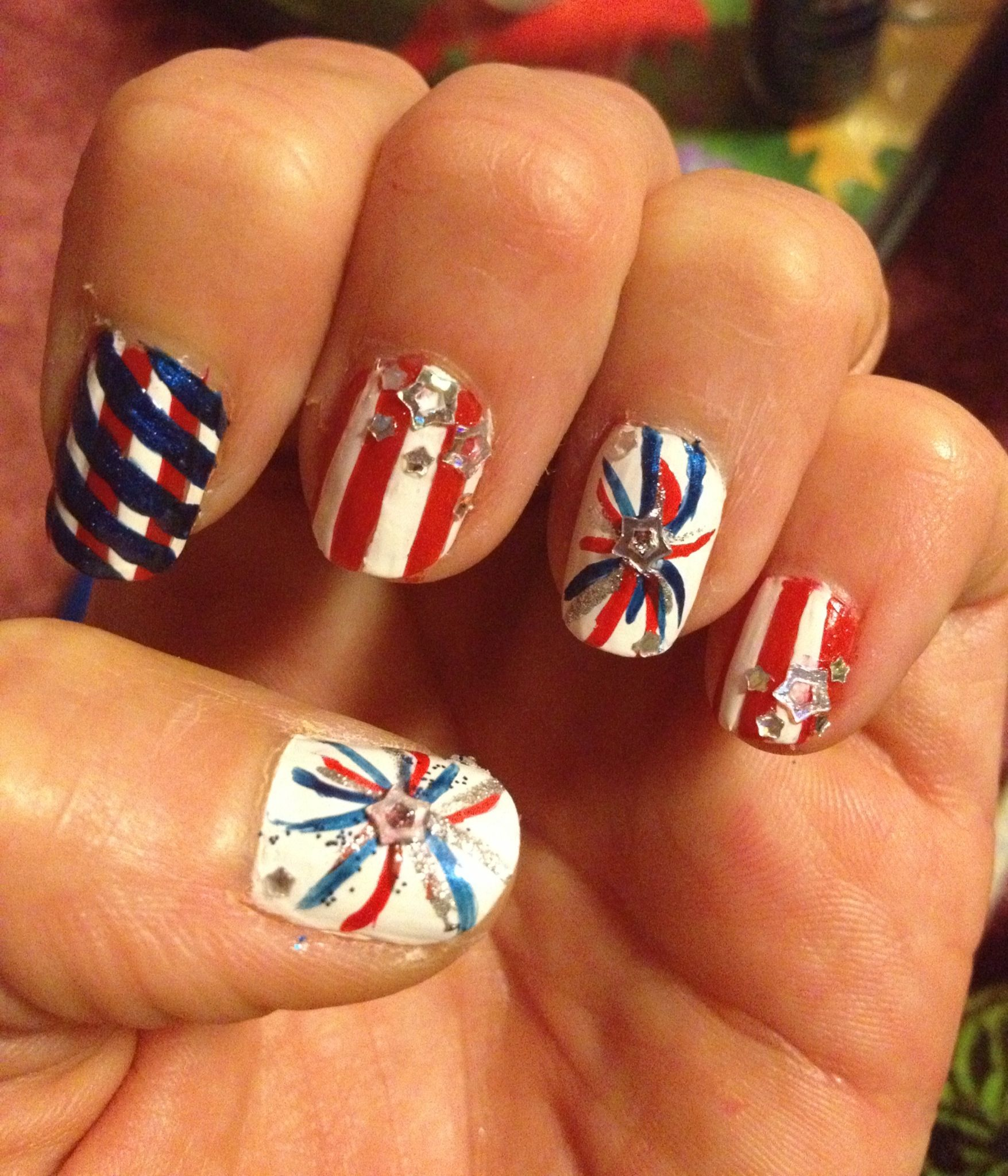 4th of July nail art design, Fourth of July firework nail design ...