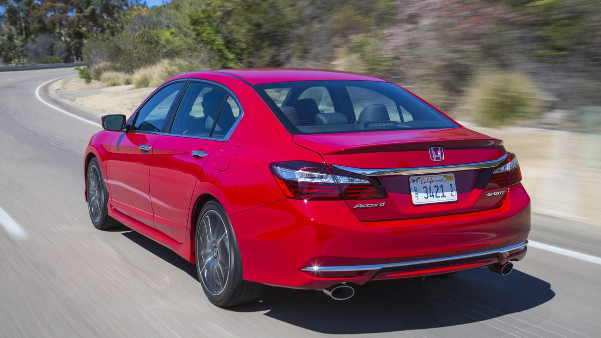 2016 Honda Accord sedan and coupe first drive sport rear 3