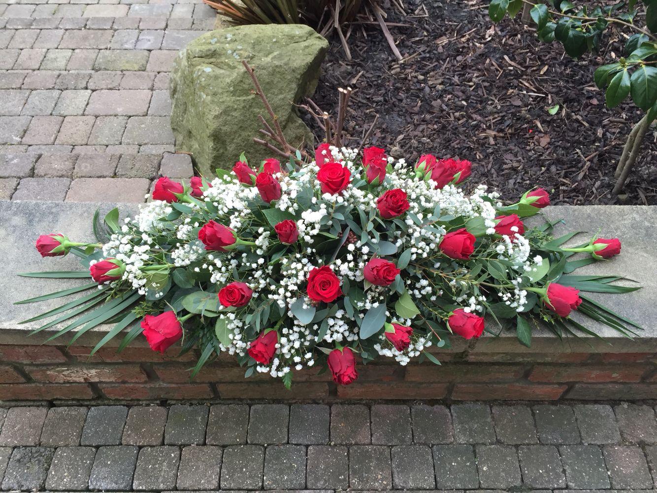 Red Rose And Gypsophelia Casket Spray Grandmal Pinterest