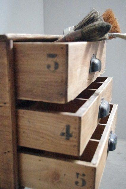 Wooden vintage drawers Brocante  Anciens objets et Meubles de