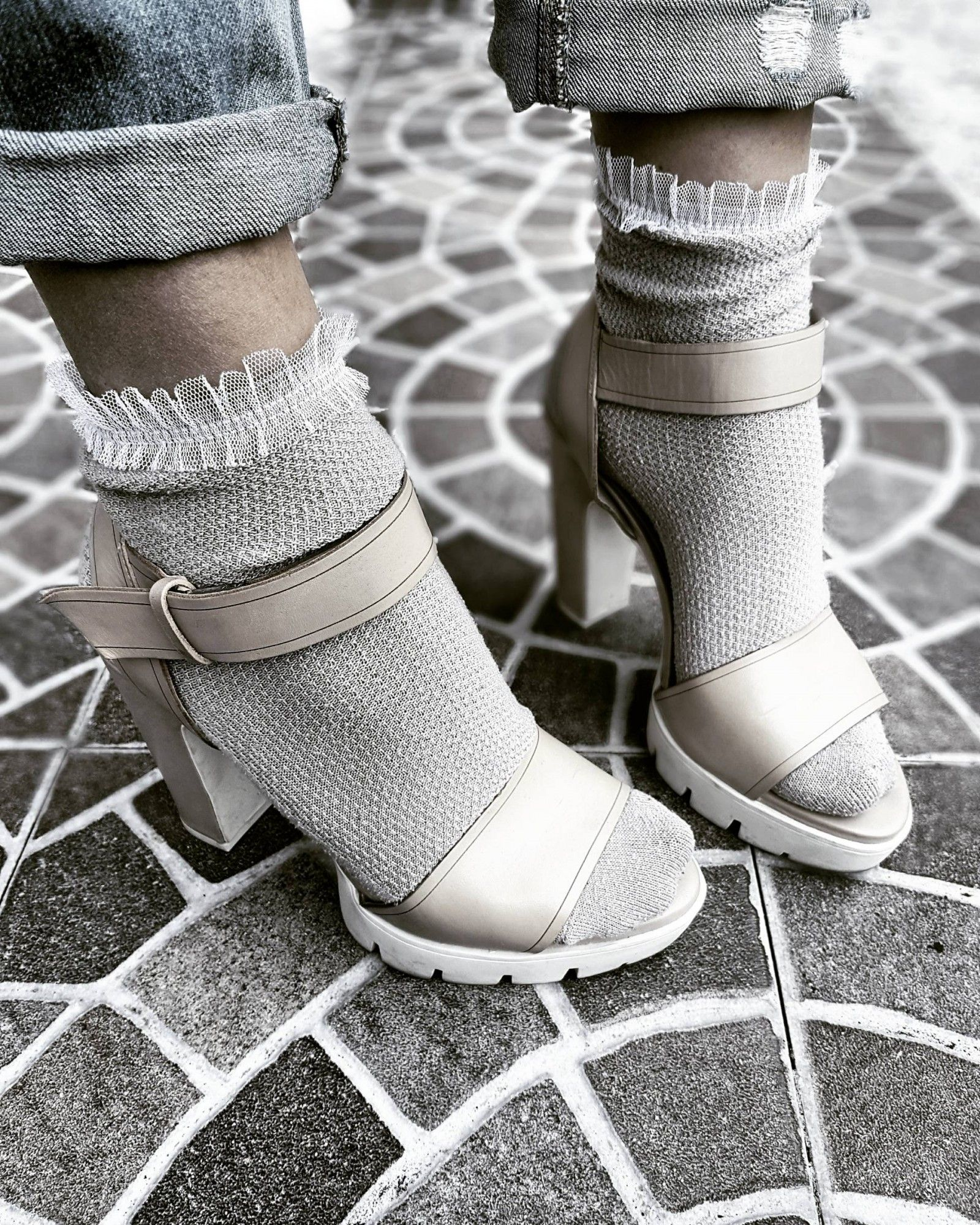 rencontrer 7aa7e 84f1e Socks Calzedonia | Glamour never takes a day off | Baskets ...