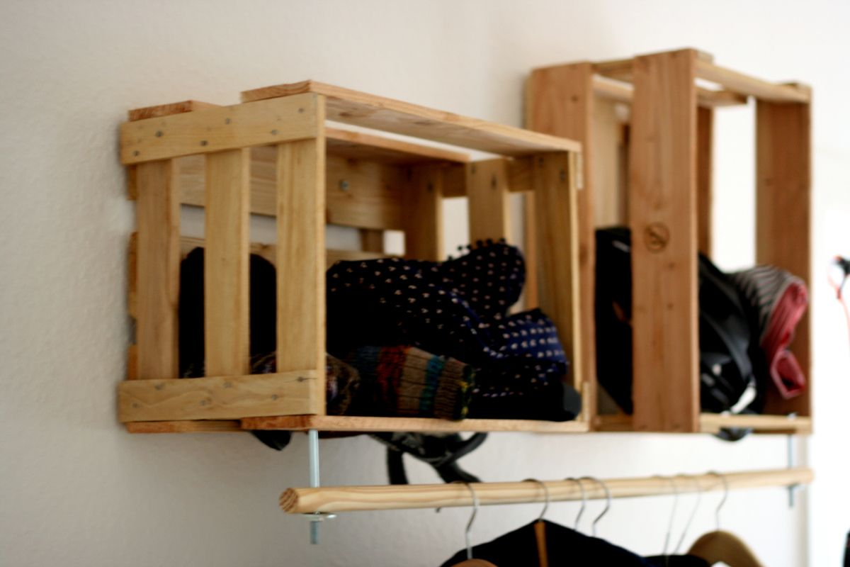 le voil unsere neue garderobe die wir kurzerhand gebastelt haben nachdem wir einige monate. Black Bedroom Furniture Sets. Home Design Ideas