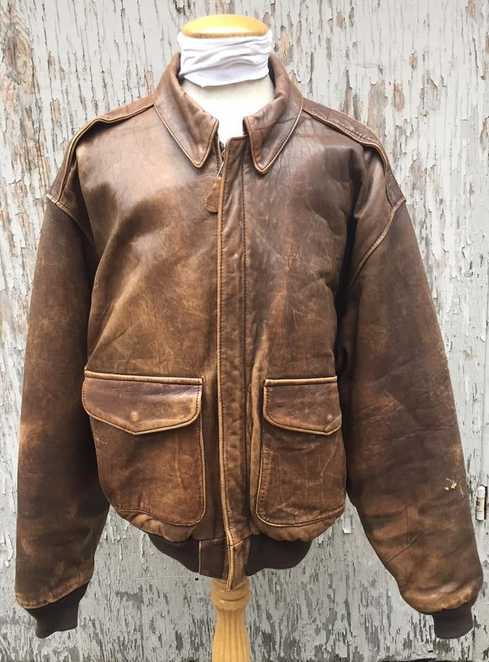 f3275d8db9d VINTAGE AVIREX BROWN DISTRESSED LEATHER A-2 FLIGHT BOMBER JACKET SIZE LARGE   Avirex