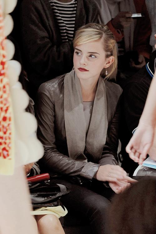 Lovely Emma Watson Source http://ift.tt/2yBQFHj