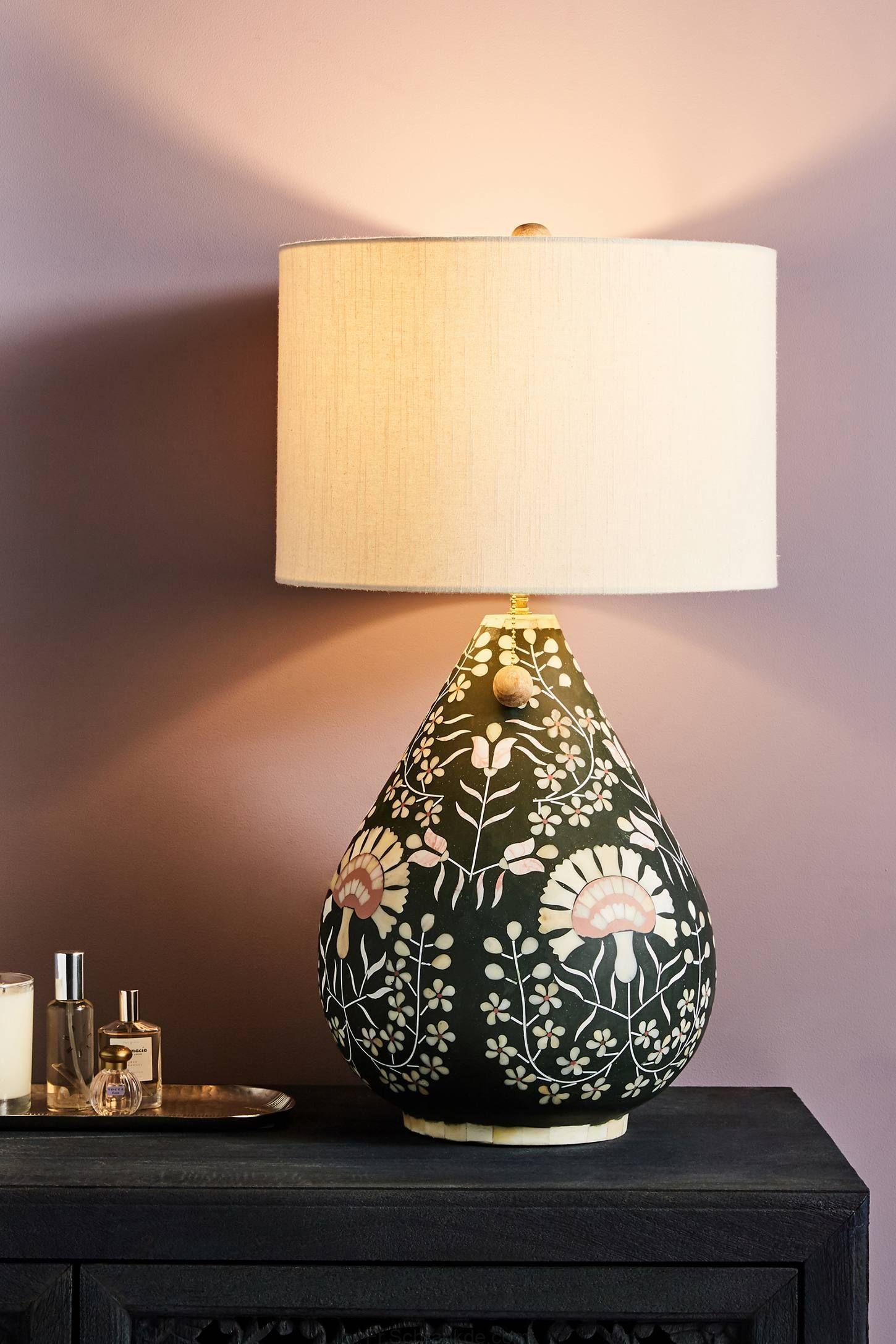 Avignon Lampe De Table De Base En Anthropologie En Vert L Eclairage Lampes De Table Luminaire Lampe De Chevet
