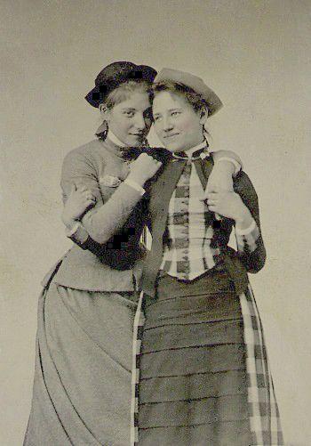 www čierna lesbické com