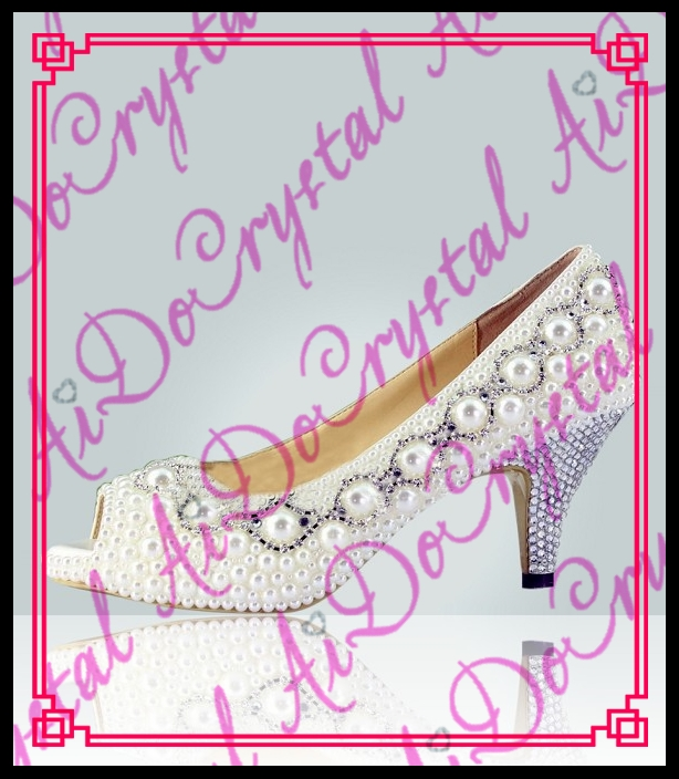 178.00$  Watch now - http://alixr3.worldwells.pw/go.php?t=32677245608 - Aidocrystal custom handmade low heel 4cm white pearls wedding bridal peep toe shoes