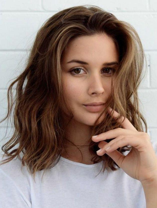 Épinglé par Priscille Lenain sur Beauté Coupe cheveux mi