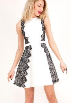 Κοντό αμάνικο φόρεμα σε γραμμή Α με λεπτομέρια απο δαντέλα ... 9bb7562419c