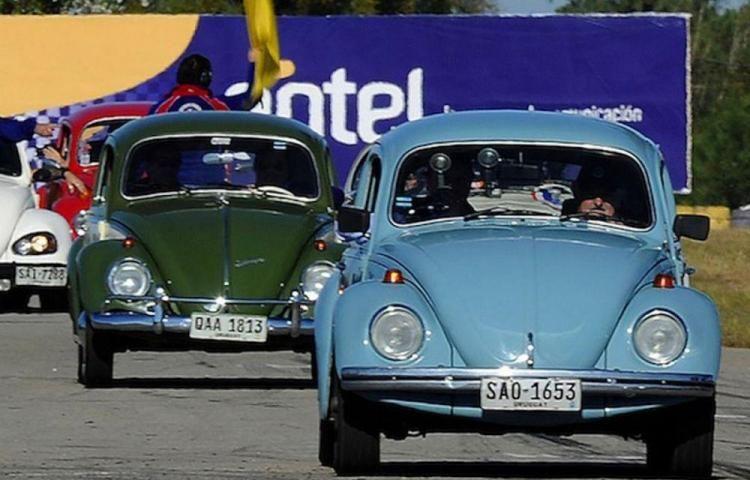 Presidente de Uruguay, José Mujica, se transporta cotidianamente en su Volkswagen 1987.