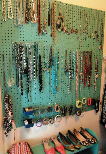 easy jewelry display project