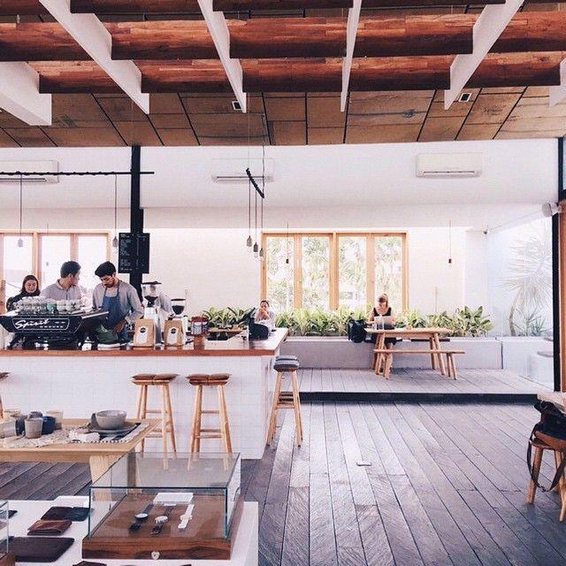 Suasana Buro Cafe Yang Berada Di Lantai 2 Living Stone Restaurant