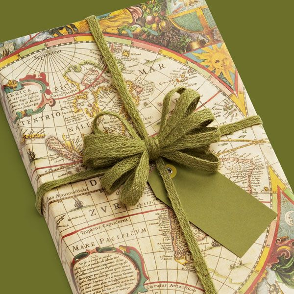 world map gift wrap for the dad who loves to travel fathersday