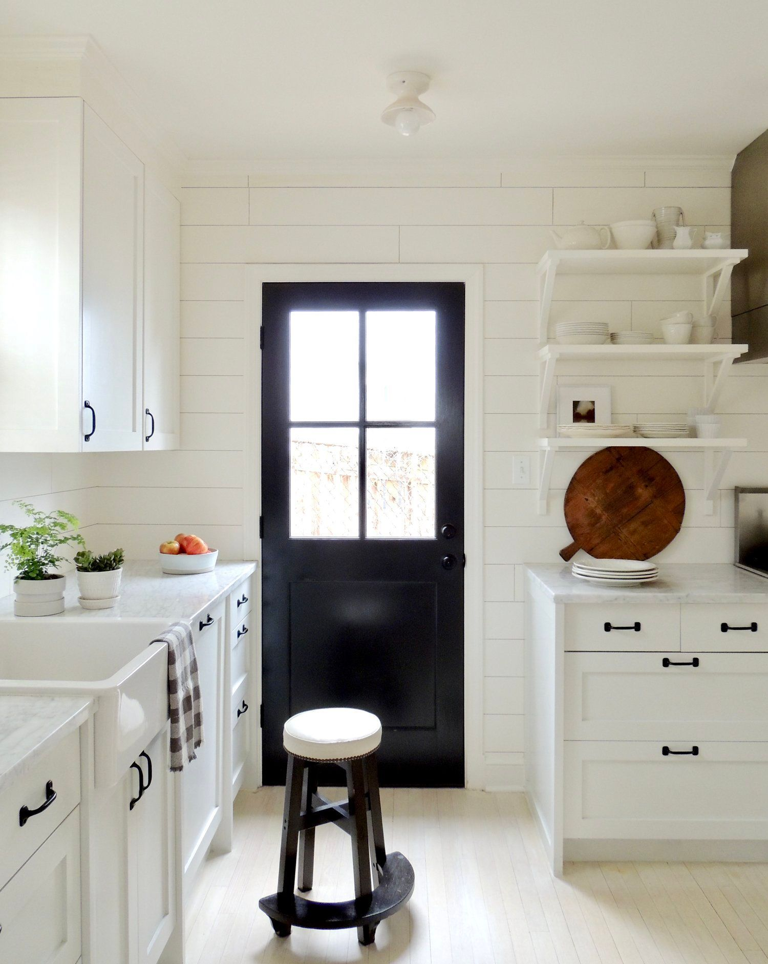 A Bold, Black Door Making an Impression in 2020 White