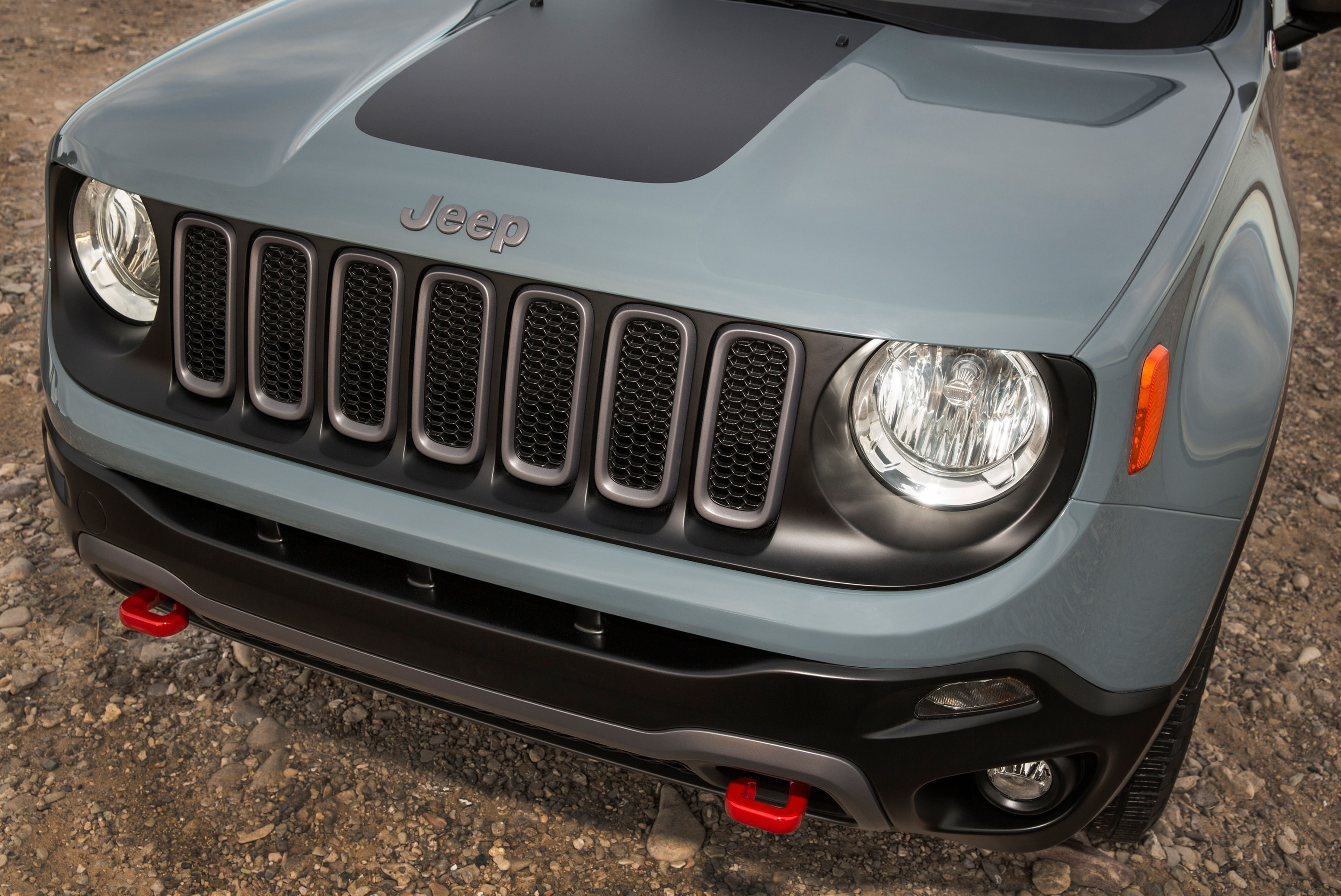 Maintaining The Iconic Front Grill Jeep Renegade Jeep Uk Jeep
