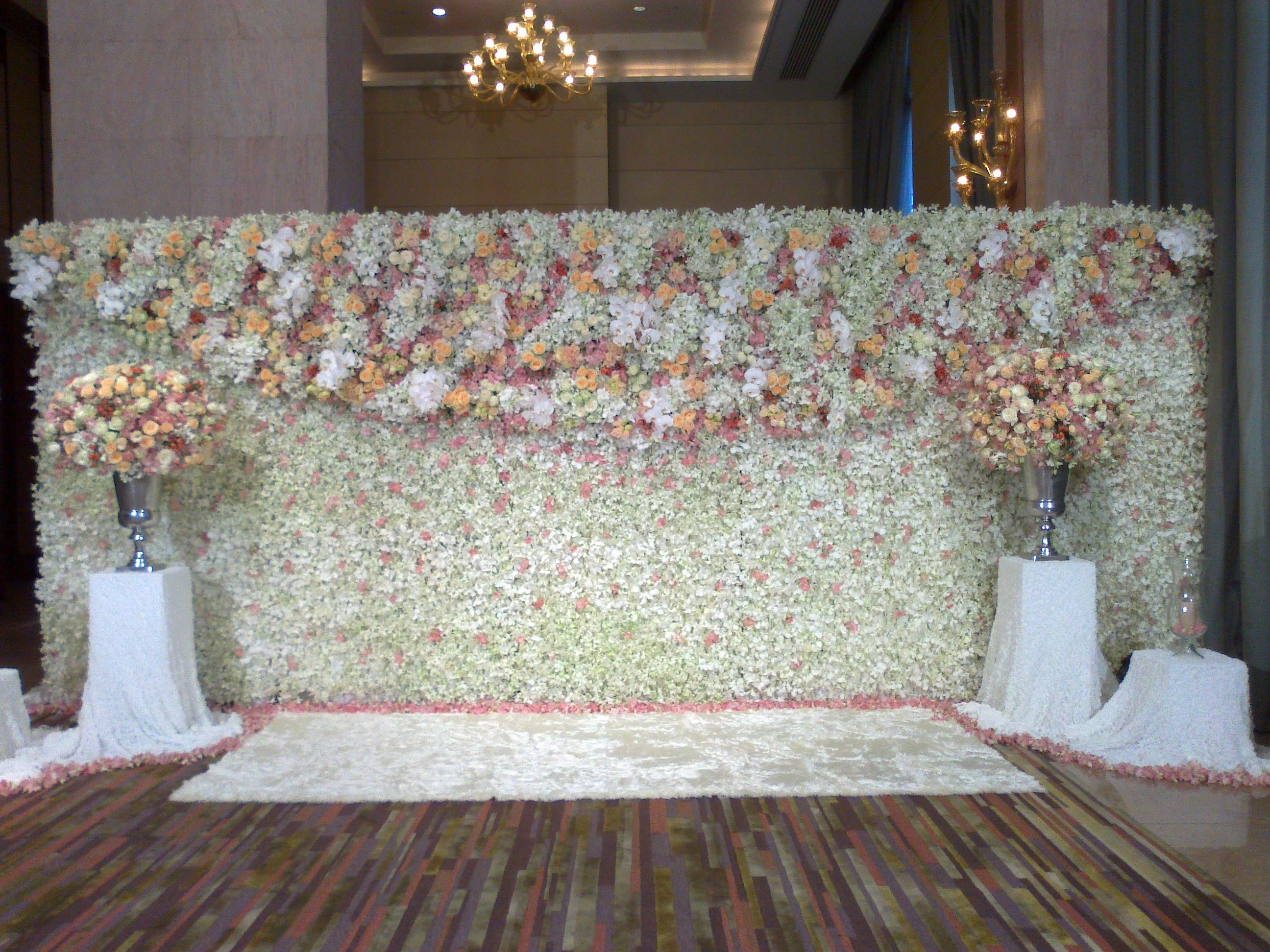 Stunning and the couple says i do pinterest for Background decoration for indian wedding